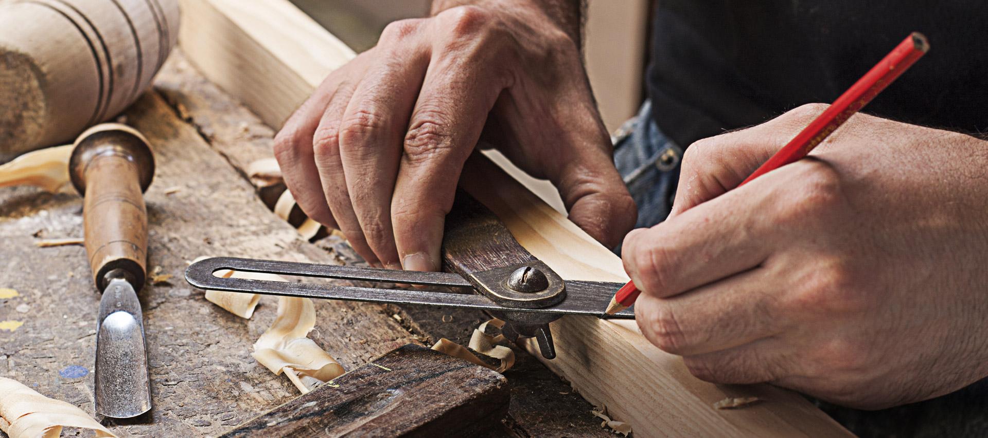 A Forlì-Cesena l'azienda GIEMME si occupa di produzione e vendita di serramenti, Infissi, finestre, scorrevoli, porte, persiane e portoni in legno, pvc, alluminio e legno alluminio. Portoni blindati. Pergole e tende da sole.